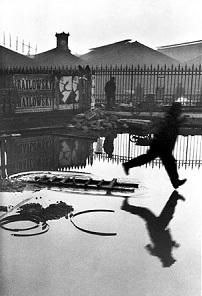 """Combien vaut la photo """"Derrière la gare Saint-Lazare"""" de Cartier-Bresson ?"""